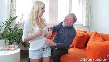 Chinese schoolgirl rides her teacher well hung